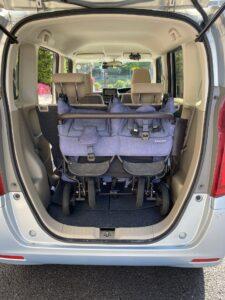 エアバギーの双子用ベビーカーをNBOXのトランクに入れた時の画像