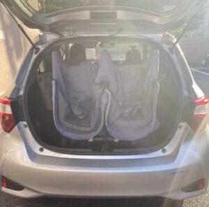 エアバギーの双子用ベビーカーをヴィッツのトランクに入れた時の画像